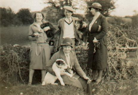 Alice Cashel (seated) in 1932